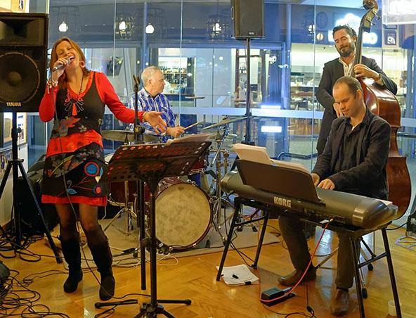 Ingrid James Jazz Singer Brisbane - Musicians Entertainers