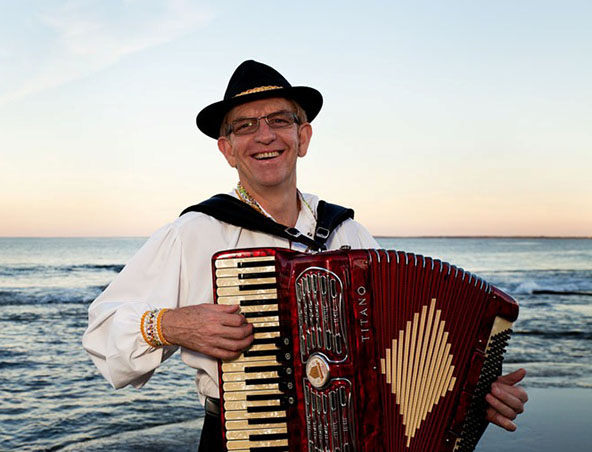 Accordion Player Brisbane - Musicians - Entertainers