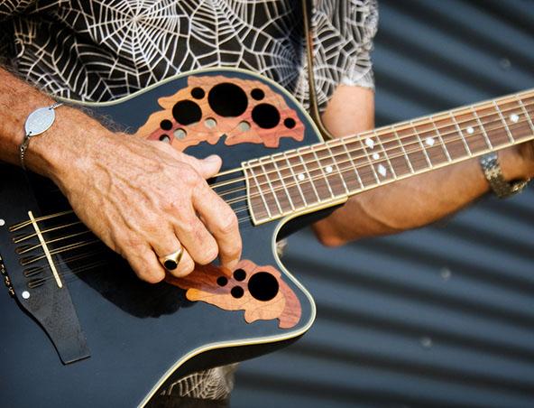 Solo Singer Brisbane Doug - Musician