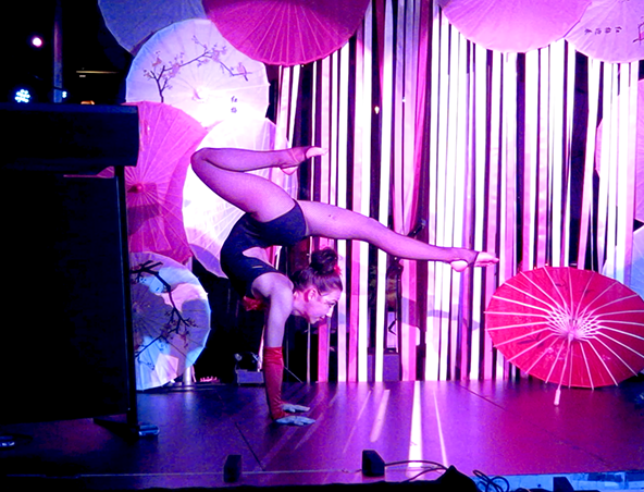Contortion Circus Acts Brisbane - Roving Entertainment - Performers