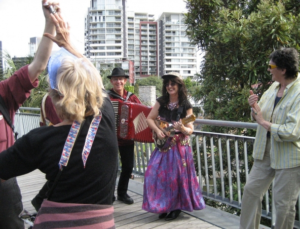 Continental Party Band Brisbane - Roving Bands Musicians Singers
