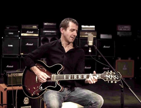 Daz Acoustic Soloist Brisbane - Musician Singer