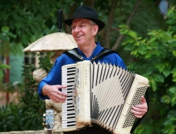 Brisbane Piano Accordion Player A